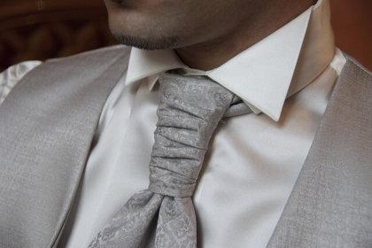 Ekskluzywny Menel: Jak wyglądać lepiej w koszuli