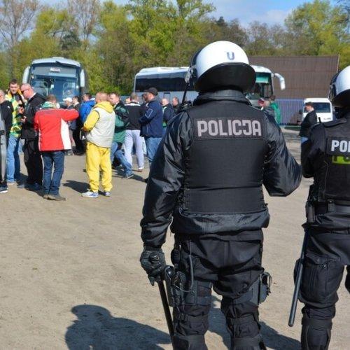 POLICYJNE ZABEZPIECZENIE ZAWODÓW ŻUŻLOWYCH