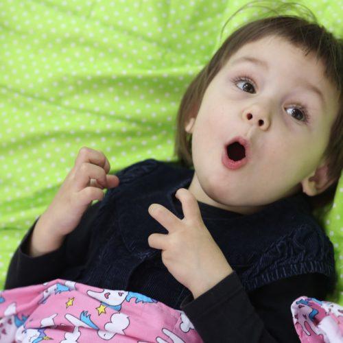 Kołdry obciążeniowe w terapii autyzmu