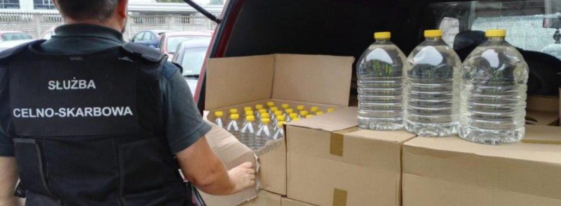 PRZEWOZIŁ BLISKO 700 LITRÓW ALKOHOLU BEZ ZNAKÓW AKCYZY